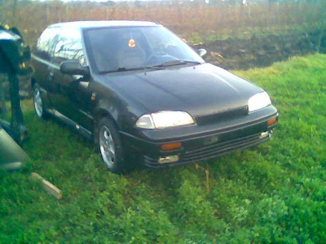 Dezmembrez Suzuki Swift 1995 Benzina Coupe - 20 Februarie